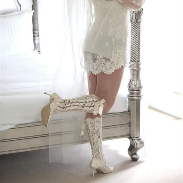 854e1e3a63d86 White Lace Bridal Shoes Pointy Toe Side Lace up Knee Boots for Wedding