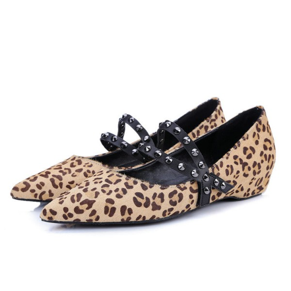 Leopard Print Flats Pointy Toe Studs Shoes  image 1