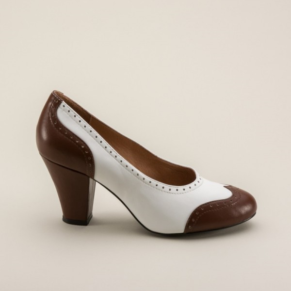 White and Brown Low-cut Uppers Round Toe Vintage Heels Pumps image 2