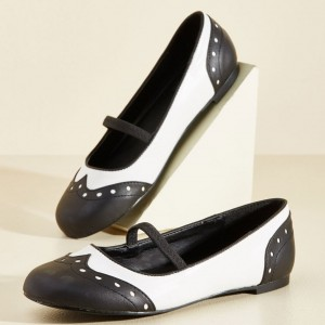 Black and White Comfortable Flats Round Toe Wingtip Vintage Shoes