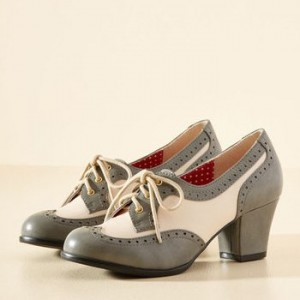Grey and Ivory Wingtip Shoes Lace up Block Heel Vintage Heeled Oxfords