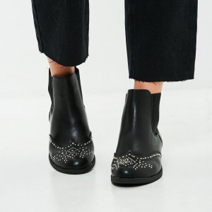 Black Wingtip Boots Round Toe Studs Flat Chelsea Boots
