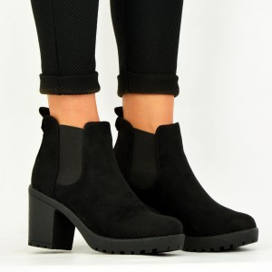 Women's Black Chelsea Boots Suede Round Toe Chunky Heels Ankle Boots