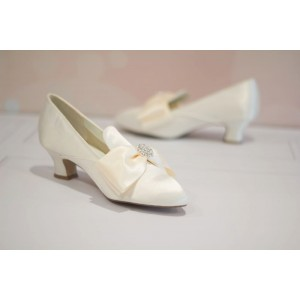 Ivory Wedding Shoes Satin Pointy Toe Spool Heel Vintage Shoes by FSJ