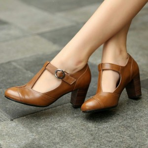 Tan Chunky Heel T Strap Pumps Vintage Shoes